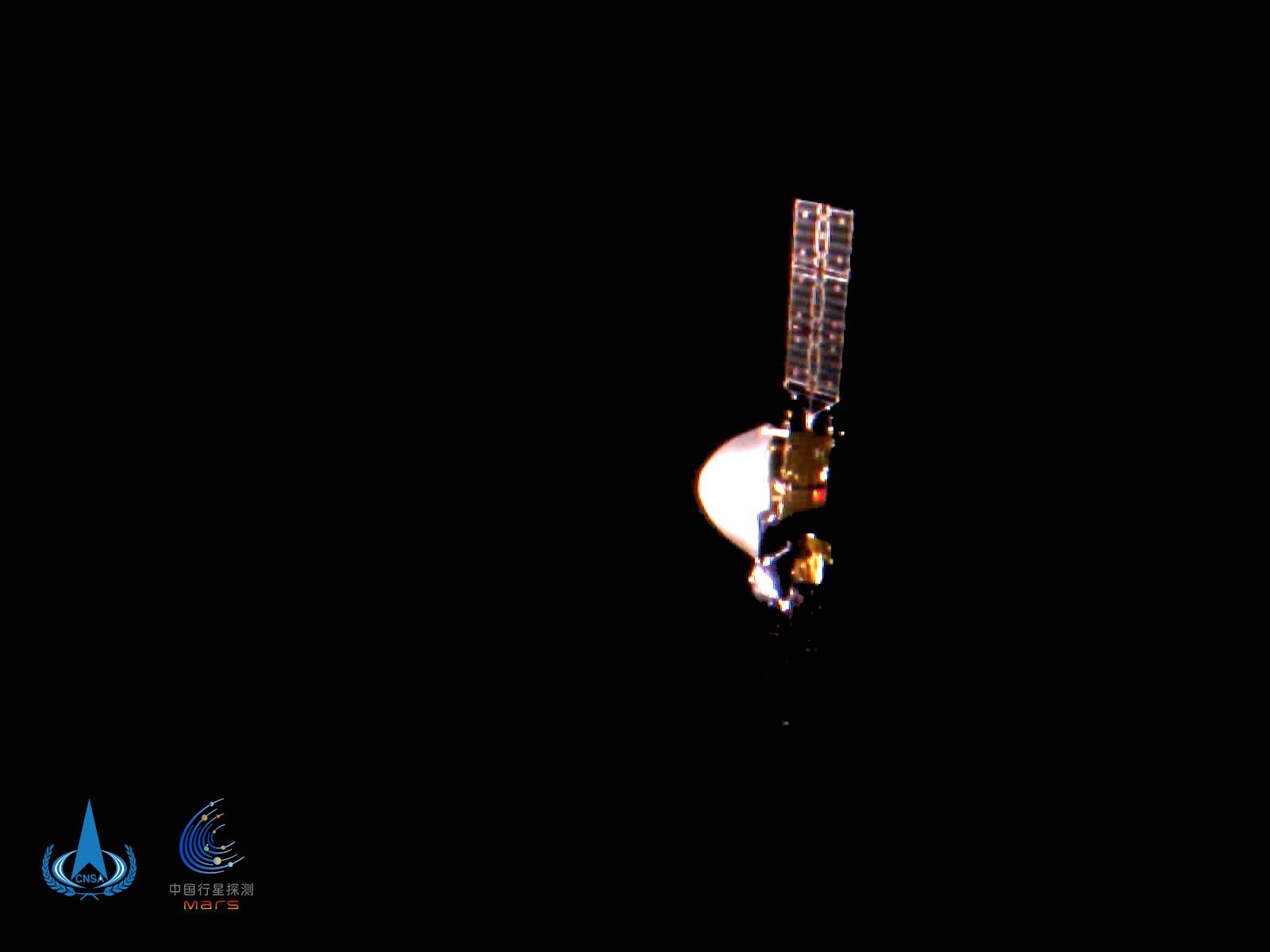 国家航天局发布天问一号探测器飞行图像